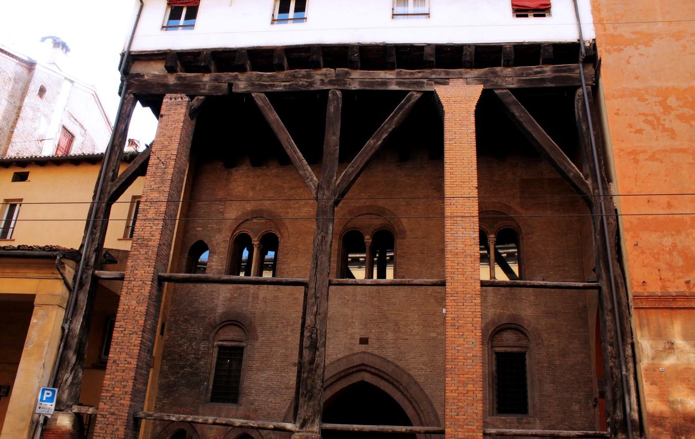 Casa Isolani in Strada Maggiore